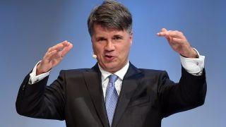 CEO,科鲁格,连任,宝马,电动,转型 宝马CEO科鲁格不再连任背后:电动化转型已落后