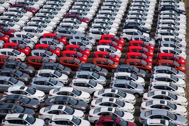 过半车企年度销售目标完成率不足40% 新能源车企无一家完成上半年既定目标